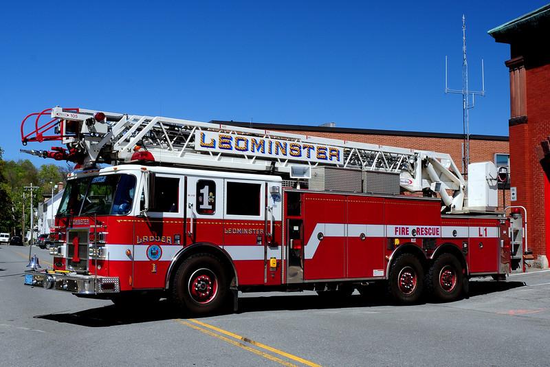 Leominster Fire Dept  Ladder  1  2003  Pierce Dash 105  Ft
