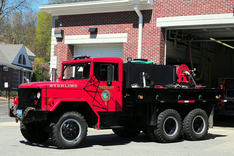 Sterling  Fire  Dept   Forestry 2    1981  American General  250/ 750