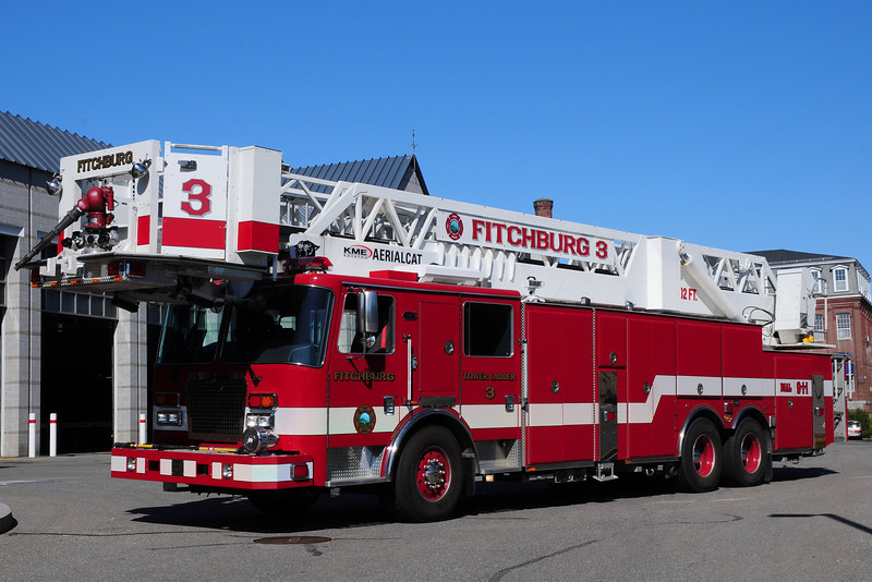 Fitchburg  Fire Dept  Tower Ladder  3  2011  KME Predator  102  Ft