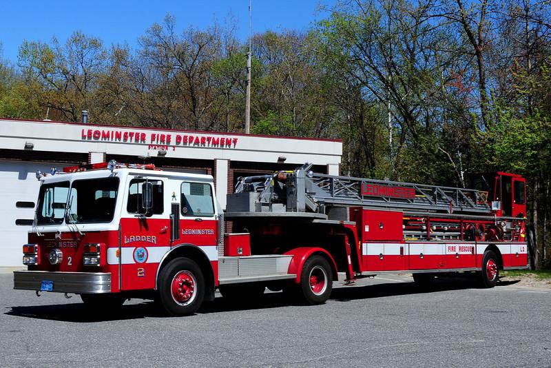 Leominster  Fire Dept   Ladder  2  1987 Maxim  EJ Murphy  100 Ft  Tiller