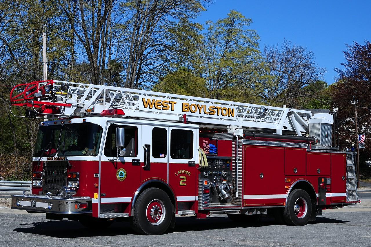 West Boylston  Fire Dept   Ladder  2  1998  Spartan/ Smeal  1500/ 500/  75 Ft