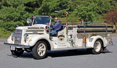 Retired   1943 Mack   500 / 200