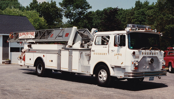 Retired   Ladder 1.  1973 Mack CF / Thibault.  100'
