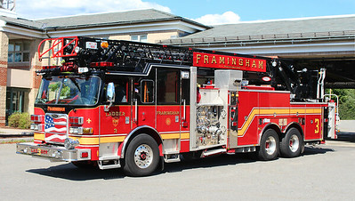 Ladder 3   2012 Pierce Arrow XT   2000 / 300 / 105' RM