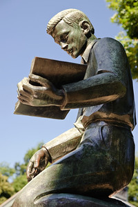 The Learning Statue at the visitors center on Boston Common.