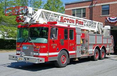 Retired  Ladder 28 2009 Pierce Arrow 105'