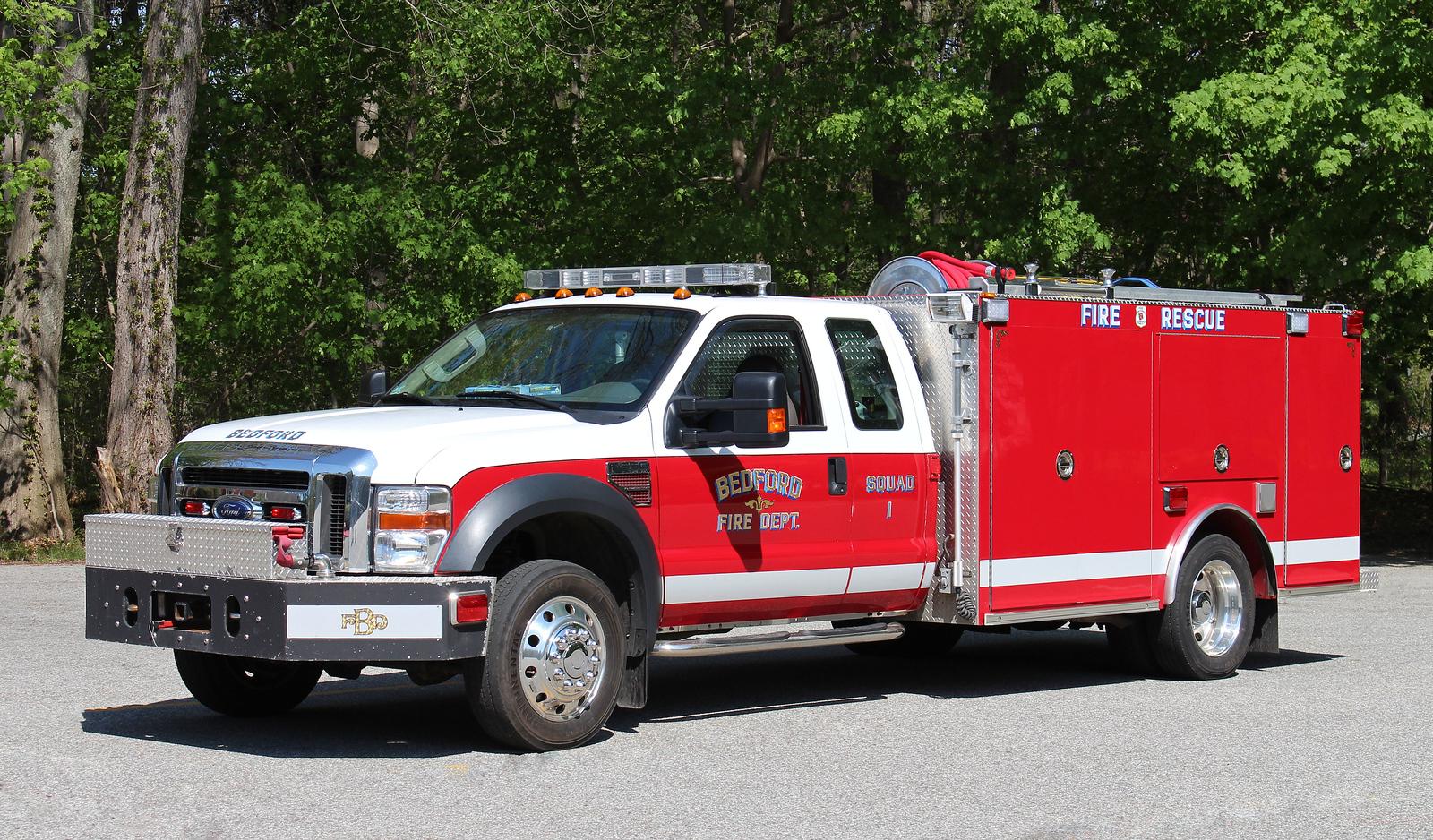 Squad 1 2010 Ford F-550 / Firematic 400 / 300