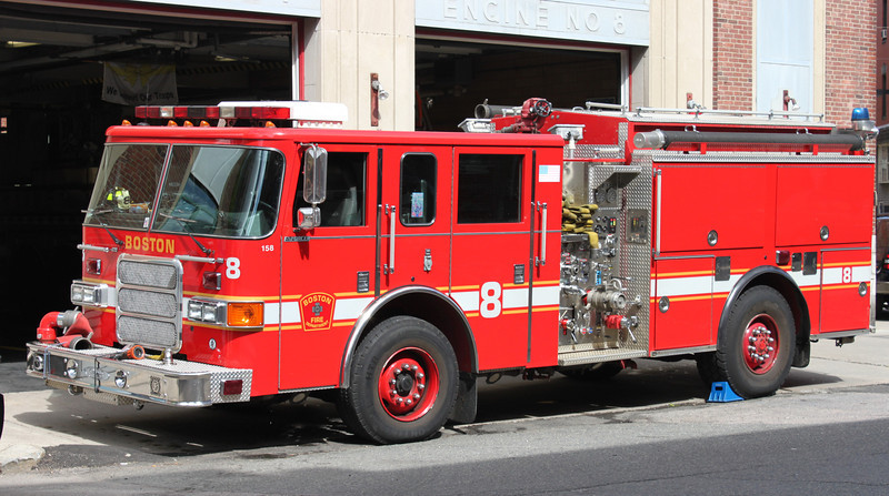 Engine 8  2002 Pierce Enforcer  1250/500