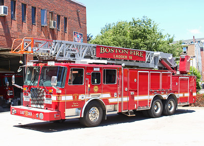 Retired   Ladder 18   2013 KME   109' RMA