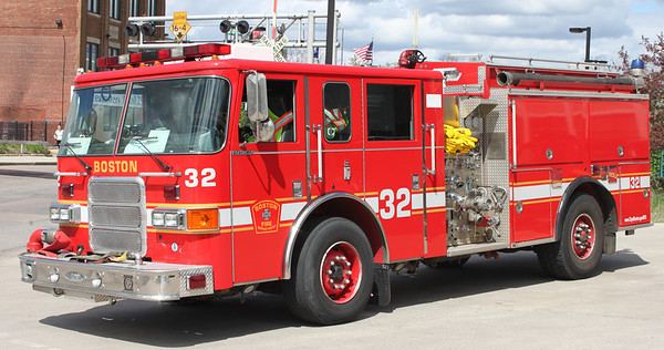 Engine 32  2002 Pierce Enforcer  1250/500