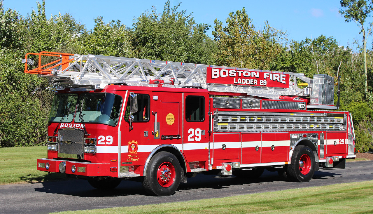 Ladder 29   2016 E-One Cyclone   100'RM