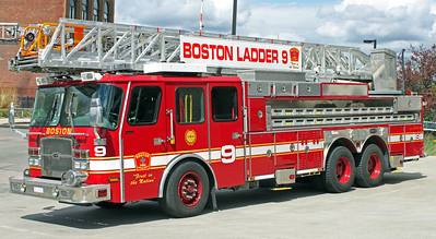 Ladder 9  2007 E-One Cyclone 110'