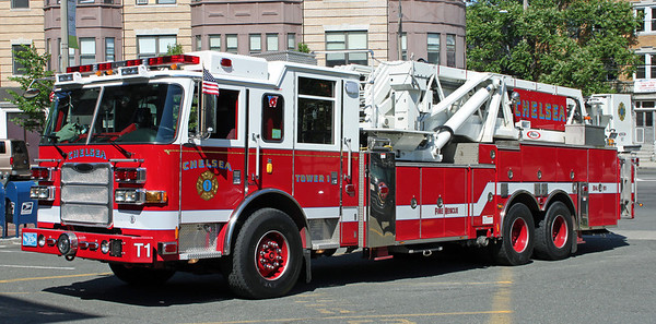 Tower 1  2010  Pierce Arrow  95'
