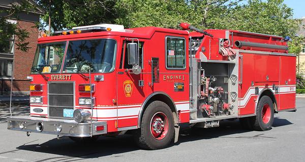 Engine 1  1997 Pierce  2000/750