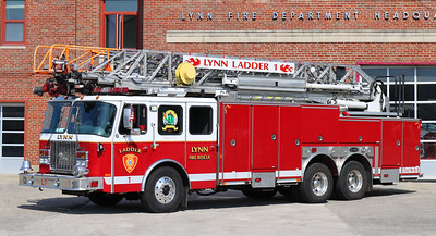 Ladder 1   2001 E-One Cyclone   100' RM
