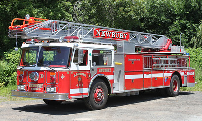 Retired  Ladder 3 1985 Seagrave 100'RM