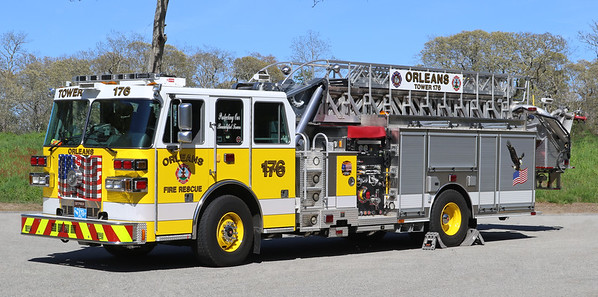 Tower 176   2008 Sutphen   1500 / 400 70' Tower / Quint