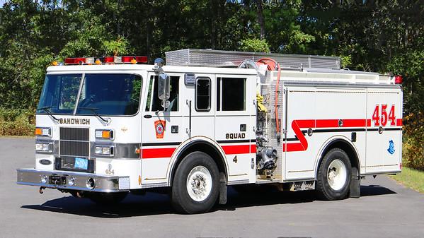 Squad 4 (454)   1996 Pierce Saber.  500 / 500 (Ex Dalton, MA)
