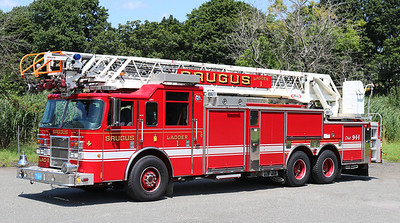 Ladder 1   2005 Pierce Dash   300 / 300   105' RM