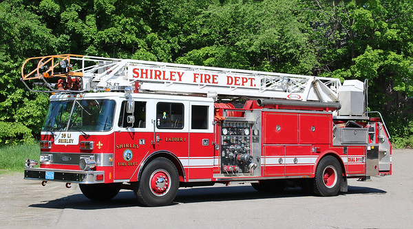 Retired.  Ladder 1.  1987 Pierce Arrow   1250 / 300 / 75' RM (Refurb 2007)