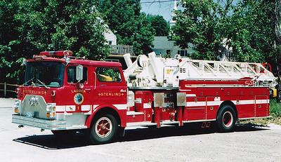 Retired  Ladder 1 1971 Mack CF / Thibault / Murphy 85' MM