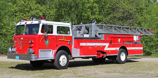 Retired - Ladder 1   1976 Maxim   100' Midship