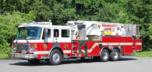 Ladder 21.  2004 American LaFrance.  95' Mid Mount Tower