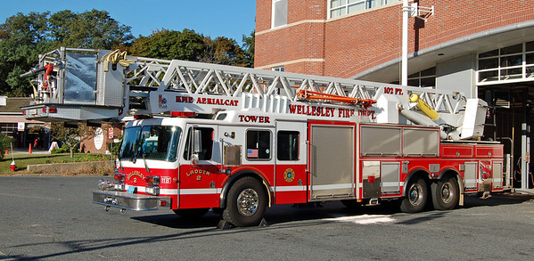 Retired  Ladder 2   1986 KME   102'