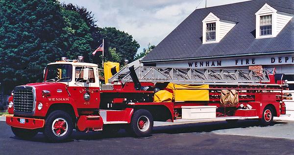 Retired Ladder 405.  1976 Ford / !947 American LaFrance   100 TTA