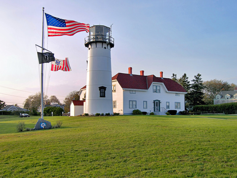 Congress appropriated $5,000 in April 1806 to establish a light station at Chatham.  Officials purchased 12 acres atop a bluff overlooking the Atlantic.  In order to differentiate the Chatham station from the Highland Light (1796) to the north, it was decided to build twin towers to exhibit two lights.
