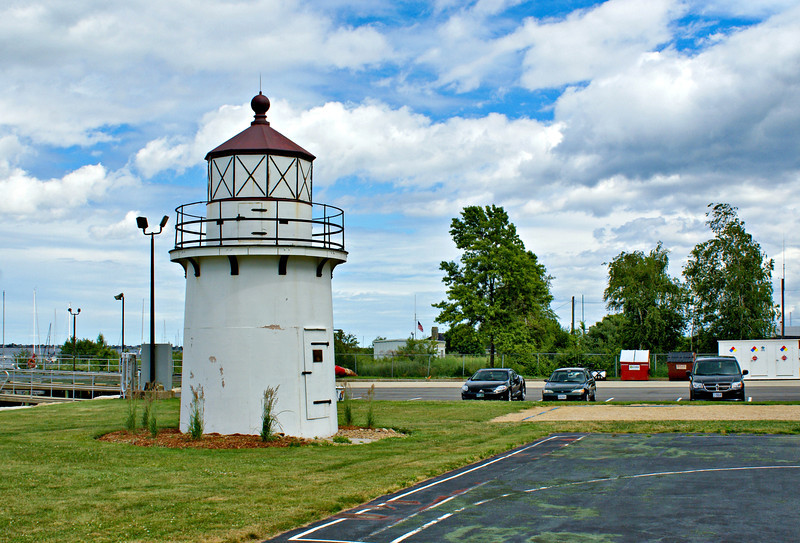 In 1871 the citizens of Newburyport petitioned the government to take over and maintain the private range lights.  In June 1872 Congress responded and appropriated $10,000 to establish federal navigational aids along the Merrimac River.