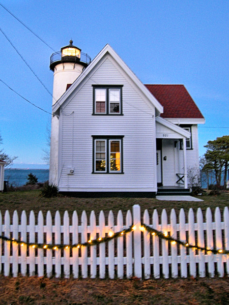 The first Keeper of the West Chop Light was Captain James West who was appointed at a yearly salary of $300.  He and his wife Charlotte moved into the tiny stone house with their 8 children and lit the lamp in November 1817.