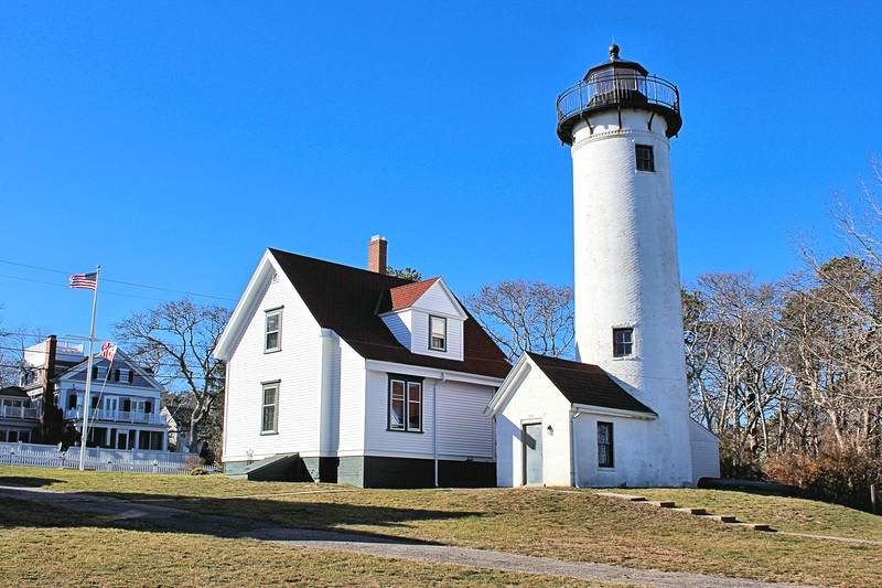 An 1843 inspection found the erosion becoming a bigger issue.  The water was now within 37 feet of the lighthouse.  The tower and dwelling were also found to be cracked and leaky, the woodwork was rotting.