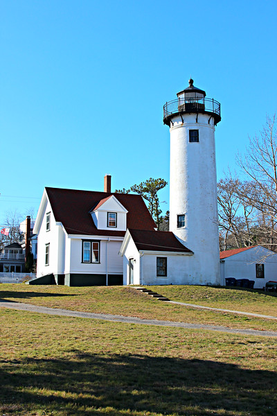 In 1946 Keeper Octave Ponsart was assigned to the West Chop Lighthouse.  He had previously served at the Dumpling Rock and Cuttyhunk Island Lighthouses.