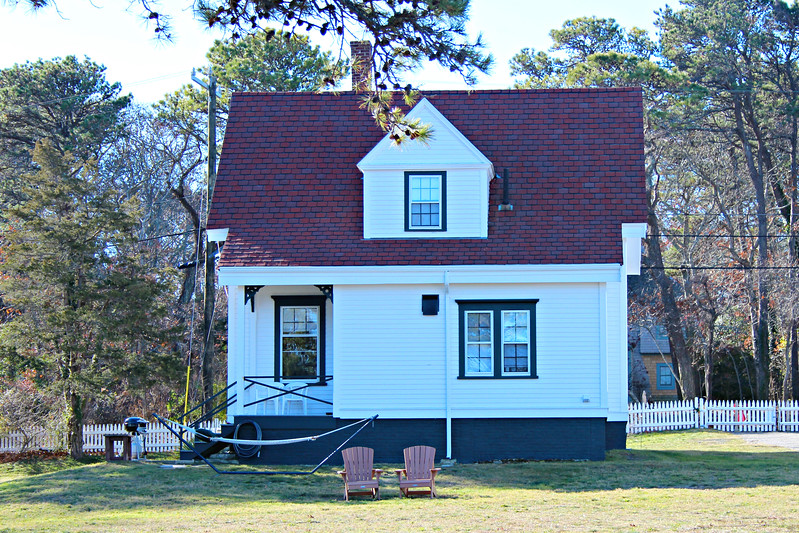 A 1½ wooden frame dwelling was built and occupied by the Keeper while the new Assistant moved into the old stone dwelling.  In 1888 the old stone house was torn down and a new frame dwelling was built upon its foundation.