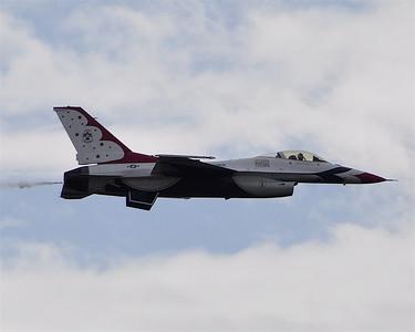 USAF Thunderbirds - F16 Falcon