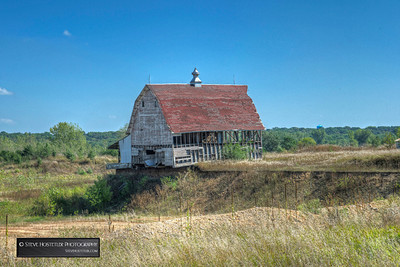 A Barn Near Estherville Iowa next to a gravel Pit ... September 2013.