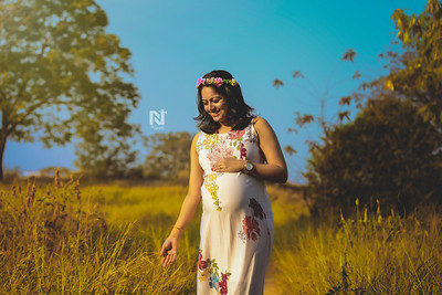 Creative Maternity portrait session for the beautiful mom-to-be in India