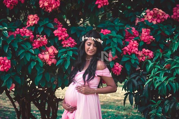 Maternity fashion photoshoot