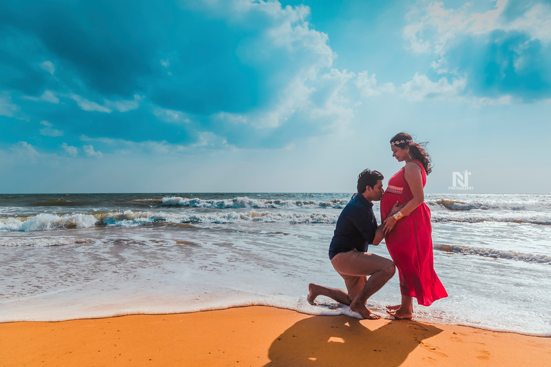 Maternity photoshoot for a beautiful couple
