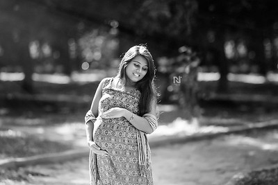 A glowing mom-to-be - Creative pregnancy photosohoots