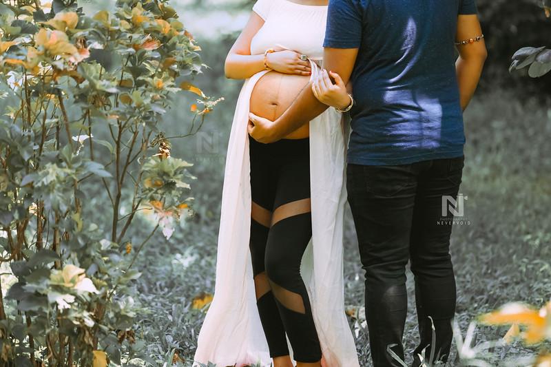 Maternity photographer near you