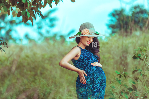 Maternity photoshoots bookings open now