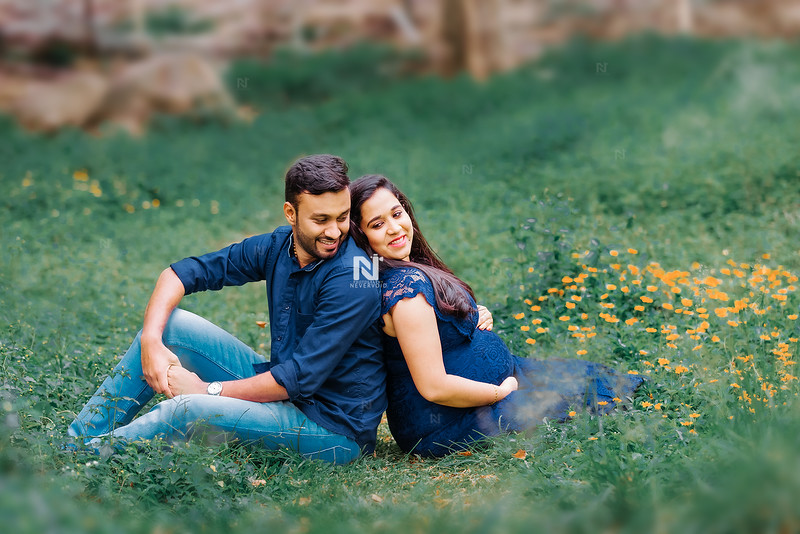 Premium maternity photography sessions
