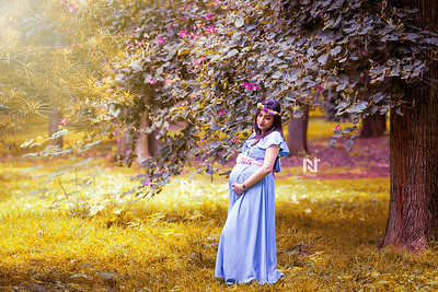 Beautiful mom-to-be during her Maternity photoshoot session