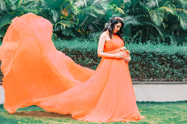Maternity photography for a stunning new mom in Bangalore
