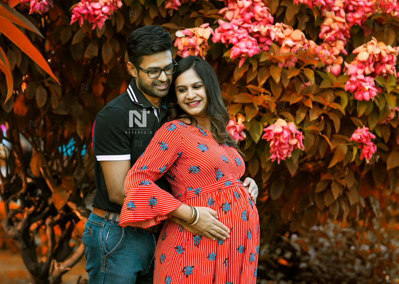 Maternity portraits for the couple