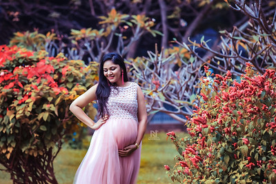 Pregnancy photoshoots by professional photographer in Bangalore