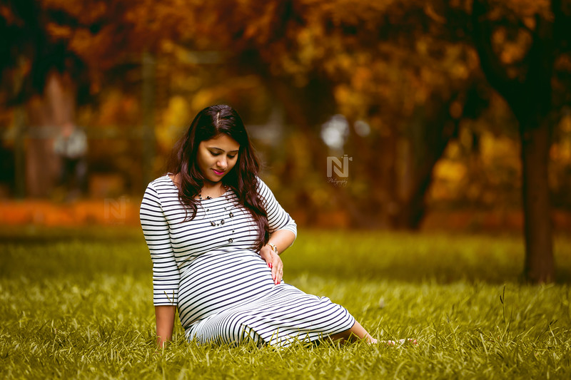 Creative Maternity or Pregnancy photoshoot for the mom-to-be