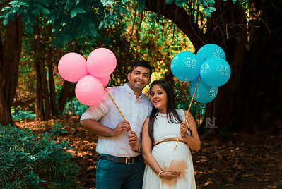 Maternity photoshoot sessions for the happy couple